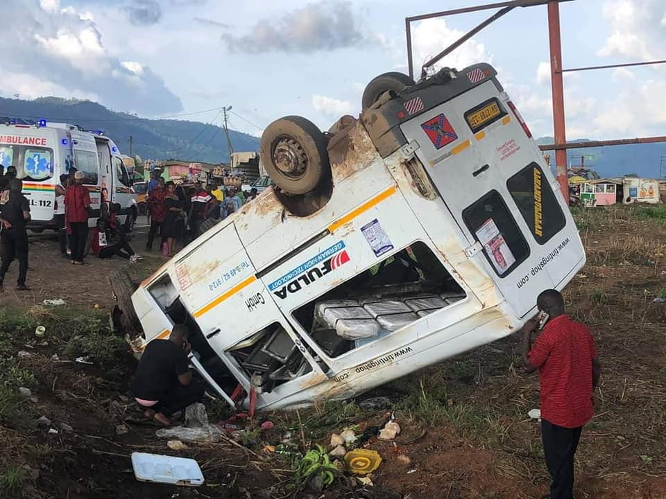 Four vehicles crash on Accra-Kumasi Highway (Photos) ~ Ghanawish Radio